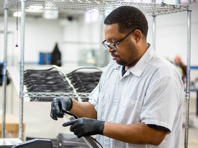 Ford sẽ sản xuất 50.000 máy thở trong 100 ngày hỗ trợ bệnh nhân virus Corona